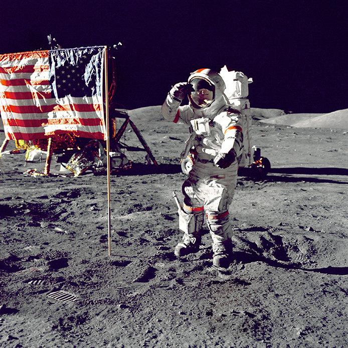 694x694-flag-moon.jpg?Revision=CbGY&Timestamp=MtC8qG