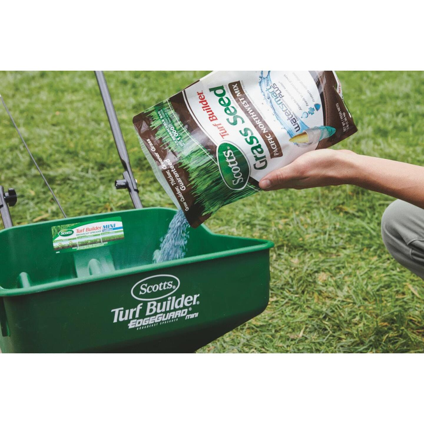 Scotts Turf Builder 3 Lb. Up To 1000 Sq. Ft. Coverage Pacific Northwest Grass Seed Image 3